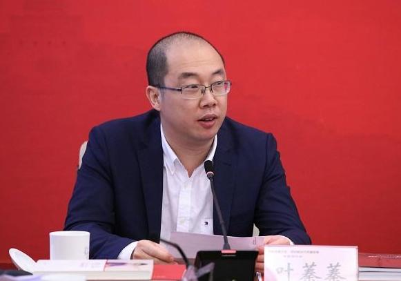 叶蓁蓁接棒卢新宁出任人民网董事长