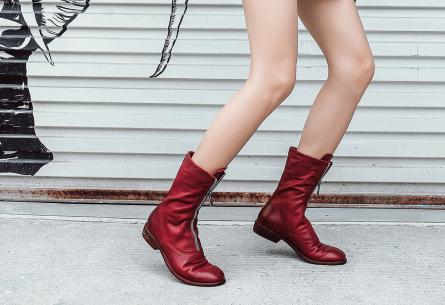 秋冬如何凹造型?看杜曼格女鞋用马丁靴为你神助攻