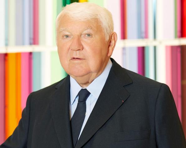 """""""水饺包""""的创造者、Longchamp 总裁因新冠肺炎去世"""