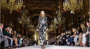 <b>巴黎时装周将取消所有线下走秀</b>