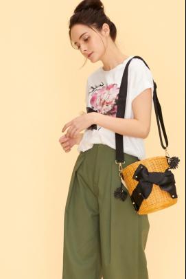 在人气爆棚的服饰品牌・LANVIN en Bleu获取第一手潮流时尚!