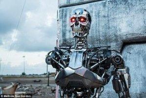 "<b>机器人拥有""意识""只是时间问题:或毁灭人类</b>"