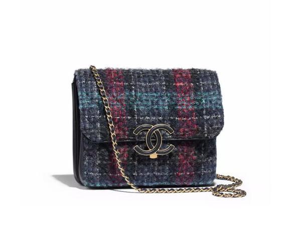 Chanel羊斜纹呢羊皮包 官网价格35300RMB 图片来自品牌