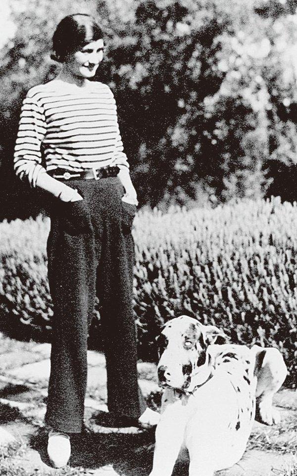Chanel身穿海魂衫 图片来自品牌