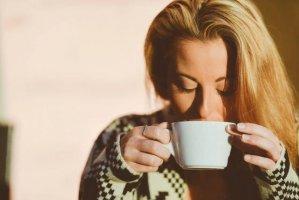 喝水的5个坏习惯会让你生病,你占了几种?赶紧改!