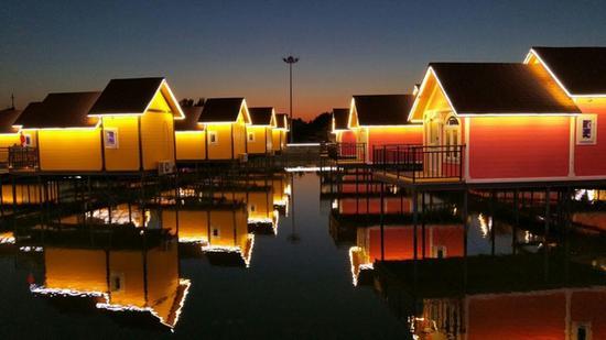 月坨岛夜景充满荷兰风情 图片源自品牌官网