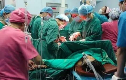 珠海26岁孕妇剖腹产下五胞胎,看到孩子性别,连产科医生都惊讶了