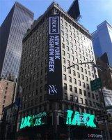 INXX再临纽约时装周 强势登陆时代广场