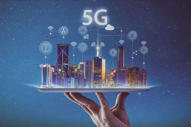 """未来可""""刷脸坐地铁"""" 深圳首个""""5G+AI""""科技体验区现身福田站"""