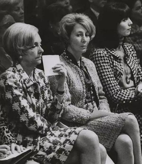 5直到70年代末,时装秀还属于业内新品发布会,无意吸引普罗大众的注意力.jpg