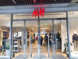 没人消费,时装品牌订单持续萎缩