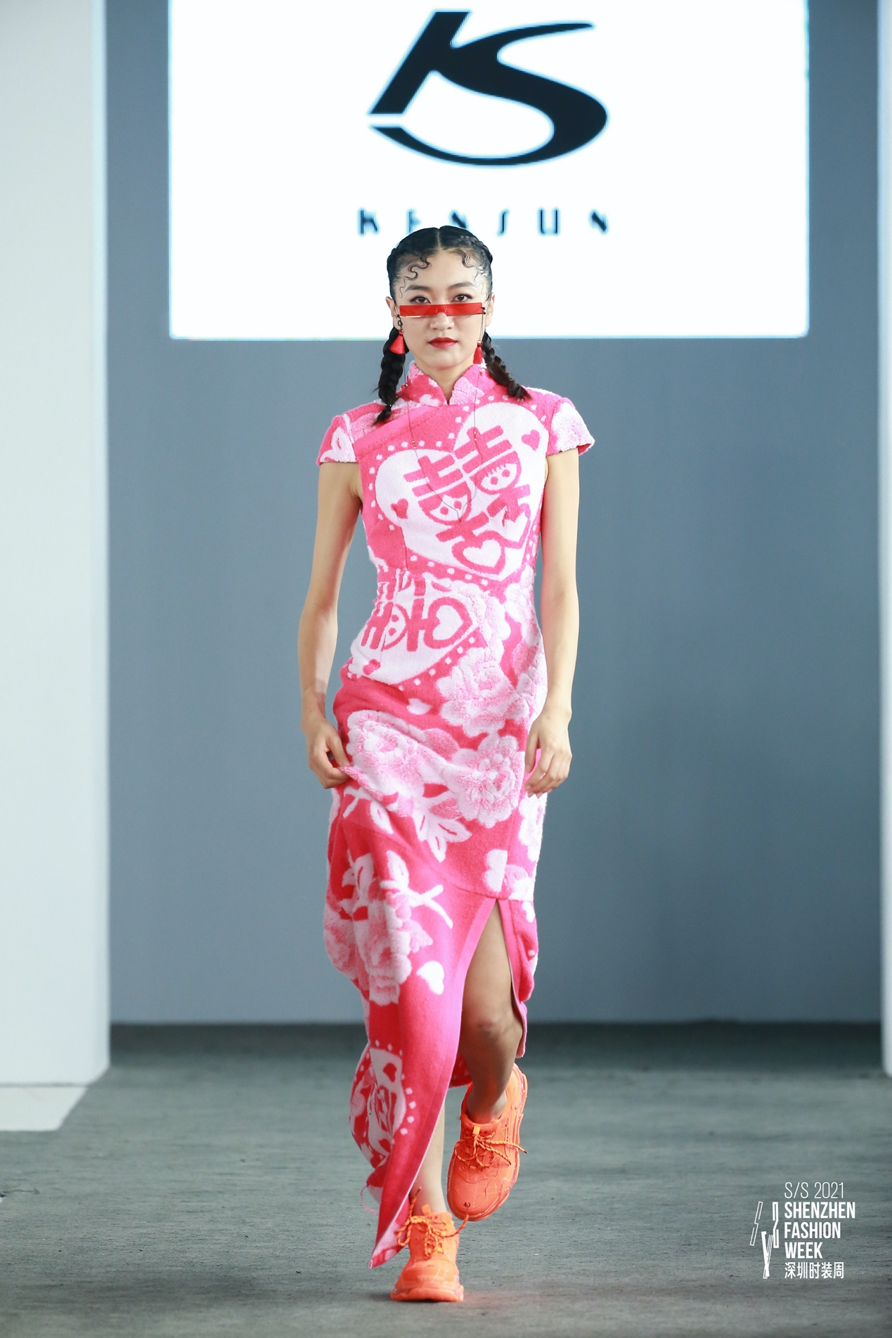 "KENSUN肯逊:""与玲同袍"",用一场旗袍秀展现中国风"