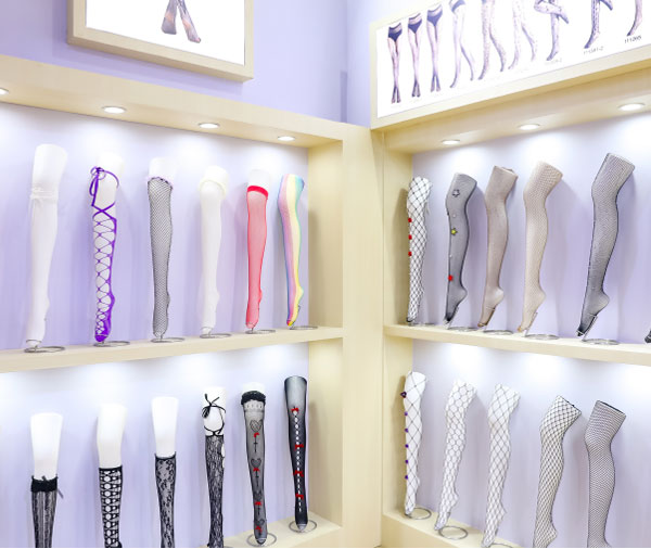 义乌丝袜品牌集中亮相上海 带领袜业细分市场发展